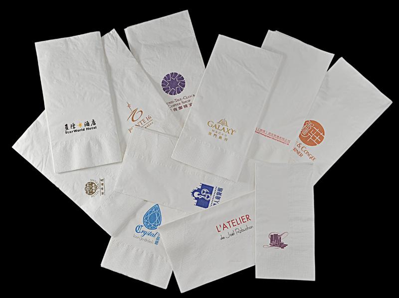 2) 餐巾紙 B